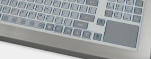 Opción de teclado de recorrido corto con almohadilla táctil, con clasificación IP65/IP66