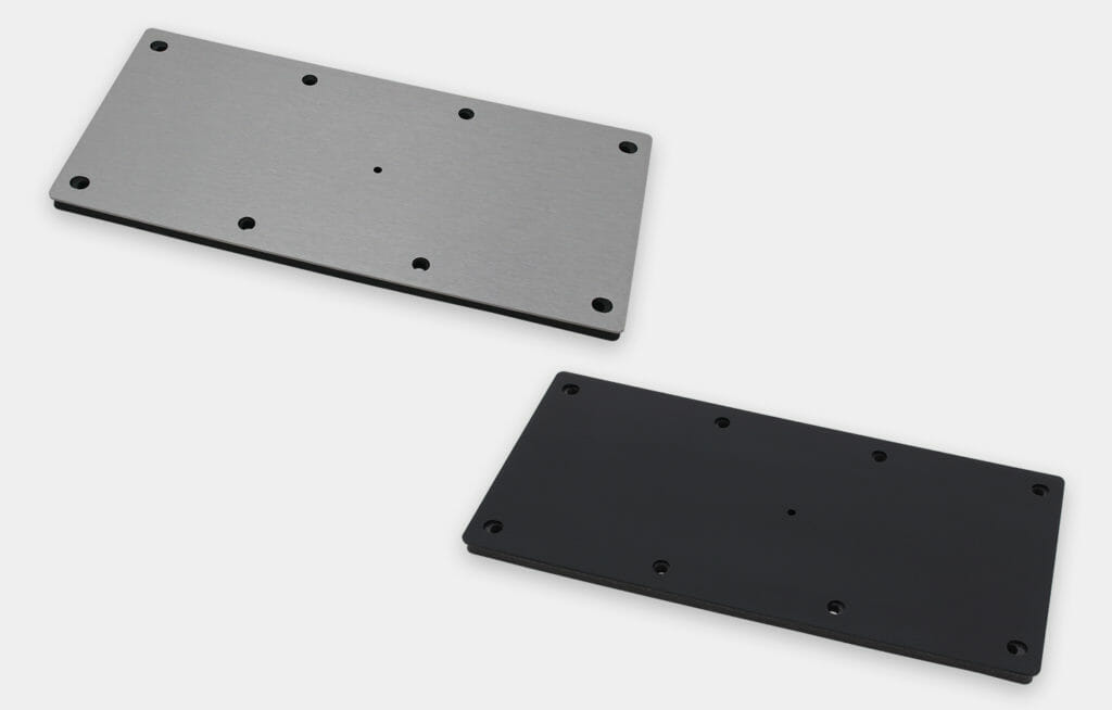Placa de cubierta ciega con orificio guía de salida para cables para monitores de montaje universal